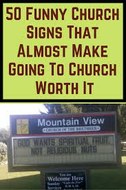 50 Funny Church Signs That Almost Make Going To Church Worth It Church Jokes, Funny Church Signs, Funny Images, Funny Photos, Pictures Images, Smile With Your Eyes, Woman Meme, Celebrity Memes, World 2020