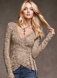Las blusas siempre forman parte importante de la vestimenta de las mujeres 080be5265c5a