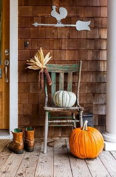 Use items from nature such as rocks, leaves, and pumpkins to decorate your home both inside and out. #FallHomeDecoratingLivingRoom #FallHomeDecoratingDiy #FallHomeDecoratingIdeas #FallHomeDecoratingApartment #FallHomeDecoratingCozy #FallHomeDecoratingKitchen