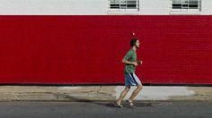 「どうしてそんなに長い時間走ろうと思うわけ?」という質問は、ジョギングやマラソンを趣味にするランナーがよく尋ねられる質問の1つです。そんな問いに対する答えとしては「ジョギングをしていると気分が良