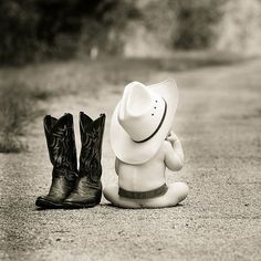 country baby (baby,cute babies,boots,cowboy,photography,black and white photography)