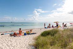Wir haben die schönsten Strände Floridas für Sie zusammengestellt, darunter zum Beispiel Cape San Blas, Anna Maria Island und Sanibel Island.