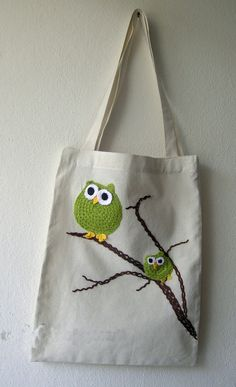 Owl cloth bag for nature lovers. + For nature lovers, the owl cotton … Handmade Handbags, Handmade Bags, Fabric Crafts, Sewing Crafts, Canvas Shopper Bag, Diy Tote Bag, Embroidery Bags, Jute Bags, Patchwork Bags
