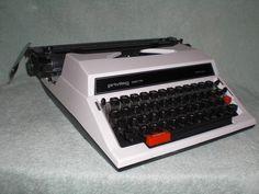 Mechanische Schreibmaschine Privileg 320 TR, Breitwagen mechanical typewriter