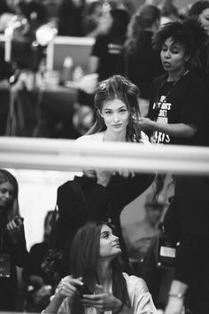 Taylor Hill et Grace Elizabeth en backstage du défilé Victoria's Secret 2016