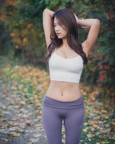 Skinny Girl Body, Skinny Girls, Cute Asian Girls, Look Girl, Girls In Leggings, China Fashion, Beautiful Asian Women, Leggings Fashion, Asian Fashion
