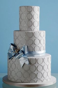 Grey and silver wedding cake.  #Bow. @Celebstylewed