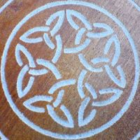 How to draw a Celtic knot - I love these things.