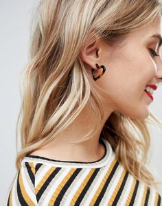 Shop ASOS DESIGN hoop earrings in tortoiseshell heart design. With a variety of delivery, payment and return options available, shopping with ASOS is easy and secure. Shop with ASOS today. Safari, Asos, Heart Earrings, Hoop Earrings, Tortoise Shell, Makeup Collection, Fashion Online, Piercings, Fashion Jewelry
