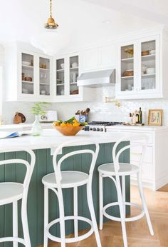 7 Big Design Lessons (Ahem, My Mistakes) That Can Apply to Every Renovation - Emily Henderson Cool Kitchens, Kitchen Design Trends, Kitchen Upgrades, Cozy House, Kitchen Remodel, Kitchen Decor, English Country Kitchens, Country Kitchen, Kitchen Design