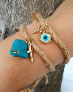 Xχειροποίητα μαρτυρικά απ σκοινί ματάκι και με μπλε πέτρα  για το Κακό μάτι,πρωτότυπα μαρτυρικά βάπτισης για αγόρι μι κοριτσάκι! Beading Patterns, Drop Earrings, Weddings, Crochet, Shop, How To Make, Gold, Baby, Crafts