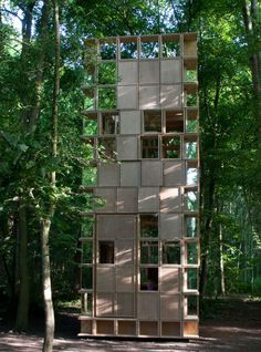 The structure is one of 20 created for theArchi<20competition, which invites architects to create temporary huts on sites smaller than 20 square metres in a nature reserve in the district ofMuttersholtz.