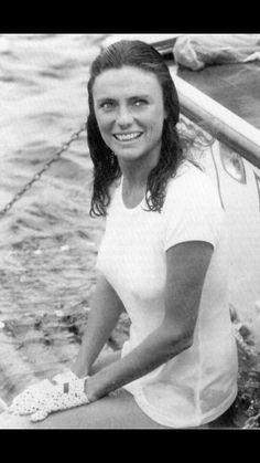 English Actresses, Actors & Actresses, Jacqueline Bissett, Cinema, Classic Movie Stars, Star Pictures, Black And White Portraits, Hollywood Celebrities, Best Actress