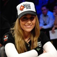 Vanessa Rousso - A Poker Player #poker #facebook http://www.cartelpoker.com/freechips/