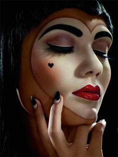 This is an amazing makeup. Would use this for either the Red Queen from Alice and Wonderland or the Evil Queen from Snow White.