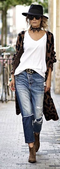 #spring #outfits  woman wearing white v-neck t-shirt and brown and black open long cardigan and blue distressed denim jeans at daytime. Pic by @gittabanko