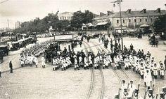 İşgal Sırasında İngiliz Donanma Mensupları Gövde Gösterisinde Taksim / 1920'ler