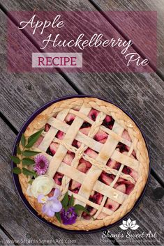 This Apple huckleberry pie recipe is the perfect blend of sweet-tart apples and luscious berries in a buttery flakey crust. Huckleberry Recipes, Tart Recipes, Brownie Recipes, Cookie Recipes, Dessert Sauces, Dessert Recipes, Dessert Ideas, Best Pie, Kitchens