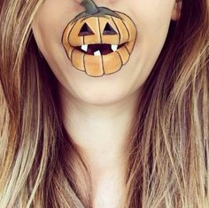 """<span>Instagram artist</span><strong><a href=""""https://cms.tmz.com/news/edit/news/2015/10/19/instagram-user-creates-art-on-chin-using-make-up-photos/instagram.com/laurajenkinson"""" target=""""_blank"""">@lauralenkinson</a></strong><span>is taking face painting to a new, lower level with her chin art ... so with Halloween right around the corner what better way to get you into the spirit than with some eerie art?</span>"""