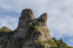 Dall'Appennino alle Alpi: Castello della Pietra, Val Vobbia (GE)