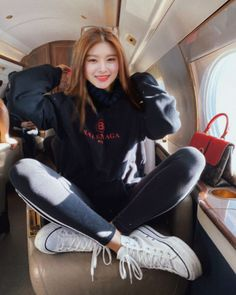 your source of happiness Fashion Tag, Pop Fashion, Daily Fashion, Kpop Girl Groups, Korean Girl Groups, Kpop Girls, Selfies, Korean Girl Fashion, Yuehua Entertainment