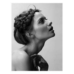 Inspiration #beauty #braids #weddinghair #vogue #paris #theweddingchapter #weddinghairstyle #whatwelove #inspiration #iconic