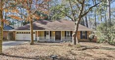 DEMAND MANDEVILLE LOCATION!! This adorable home offers 3 bedrooms and 2 full bathrooms with a wood accent wall in the foyer, opening into your over-sized living room with a gas fireplace. The kitchen features a breakfast room that opens into the living room with a small bonus/office space. All...