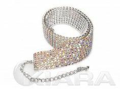 Posrebrzana obroża z oczkami z prawdziwych kryształów pokrytych kolorem AB, o rozmiarze  3 mm. Produkt zabezpieczony filtrem UV w trakcie procesu galwanizacji. Bez niklu.  Kolor: kryształowe oczka AB. srebrna galwanizacja UV