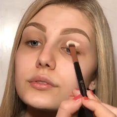 Pin by creepy_girl 166 on My Life [Video] in 2020 Makeup 101, Cute Makeup, Makeup Goals, Glam Makeup, Gorgeous Makeup, Skin Makeup, Eyeshadow Makeup, Beauty Makeup, Kawaii Makeup