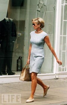 Simple, casual, comfortable yet elegant.  Princess Diana looked fantastic. I suppose her lovely legs helped a bit :)