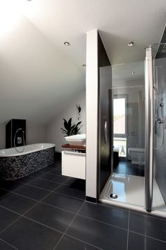 Moderne Badezimmer Bilder: Penthouse | Hamburg, Große Badezimmer ...