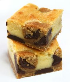 נעמה גאון: בראוניז שוקולד לבן ועוגיות שוקולד צ'יפ עם חמאה חומה