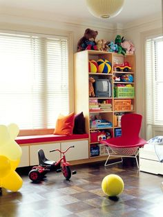 I like the crate storage and the shelving, as well as the flooring (looks good for driving toys!)