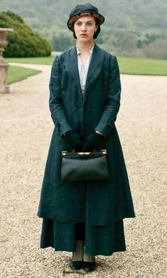 A lovely list of some of Downton Abbey's best fashion moments.