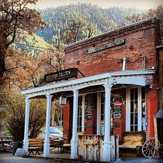 Welcome to the Genoa Bar and Saloon, Nevada's Oldest Thirst Parlor! http://flic.kr/p/emP8hc