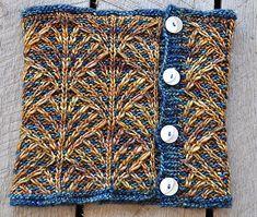 Deco Fans Cowl pattern by Sara Huntington Burch | malabrigo Mecha in Tabacos and Chuy
