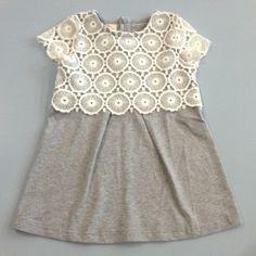MAXI MAGLIA DREAMERS,  Maxi #Maglia #Dreamers per #bambine di colore grigio melange con #corpetto in pizzo bianco. http://www.abbigliamento-bambini.eu/compra/maxi-maglia-dreamers-2973700