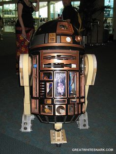 Steampunk R2-D2at San Diego Comic-Con 2007. Photo by Great White Snark.