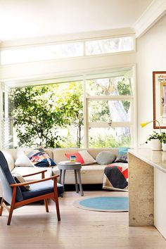 Sydney Beach House | photos by prue ruscoe | styling claire delmar for inside out magazine, via dustjacket