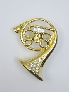 Hey, I found this really awesome Etsy listing at https://www.etsy.com/listing/120699662/graduation-gift-french-horn-pin-musical