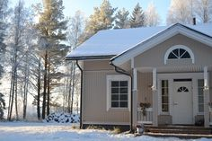 Villa Emmassa: Talvisempi sisustus olohuoneessa Shed, Outdoor Structures, Barns, Sheds