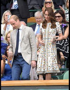 ロイヤルな着こなしで世界中を魅了する、キャサリン妃の最新ルックを紹介。
