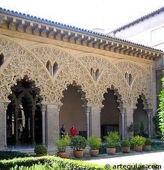 Patio de Santa Isabel, Aljafería  Zaragoza, Spain