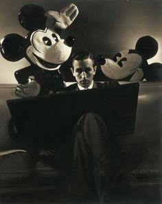 Walt Disney with Mickey Mouse 1933 by Edward Steichen Edward Steichen, Walt Disney, Disney Mickey, Mickey Mouse, Disney Magic, Disney Parks, Moma, Retro Disney, Walter Elias Disney