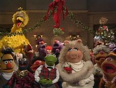All the muppets are together. This is one of the last scenes from Muppet Family Christmas. Kermit looks so handsome. If you can get your hands on this tv special it's worth the watch. Kermit and Robin sing a song with the Fraggles too Best Christmas Movies, Little Christmas, Christmas Carol, All Things Christmas, Christmas Time, Muppets Christmas, Christmas Classics, Xmas, Vintage Christmas