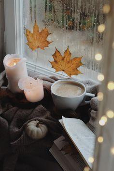 Autumn Coffee, Kitchen Appliances, Table Decorations, Furniture, Instagram, Home Decor, Diy Kitchen Appliances, Home Appliances, Decoration Home