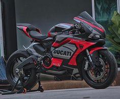 April 23 2019 at Moto Ducati, Ducati Motorcycles, Yamaha, Motorcycle Dirt Bike, Racing Bike, Custom Sport Bikes, Ducati Monster, Street Bikes, Street Moto
