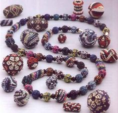 Theory of how to create a beaded bead; worth a look...