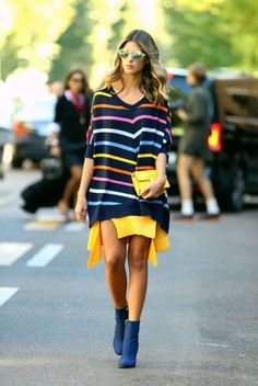 what a great way to get as any colors in an outfit as possible!