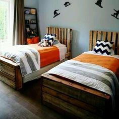 Pallet Twin Beds - 13 Pallet Ideas for Kids Room and Furniture | 101 Pallets